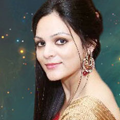 astrologer and tarot card reader swati